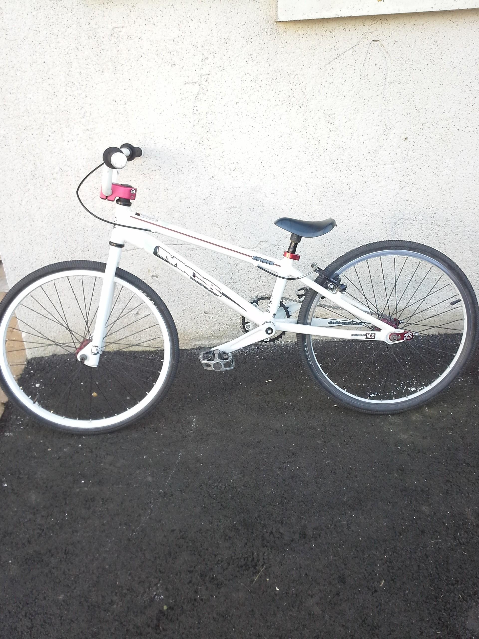 Vélos « BMX club de TREGUEUX