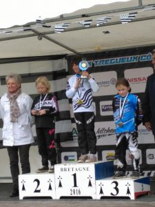 podium poussines
